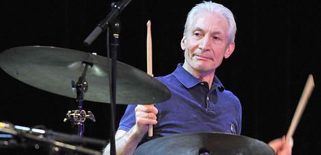 Morre Charlie Watts, baterista do Rolling Stones, aos 80 anos