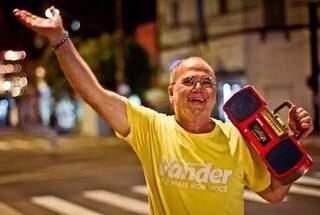 Para muitos, alegria de Paulo do Radinho merecia ser lembrada para sempre na Avenida Afonso Pena. (Foto: Reprodução Facebook)