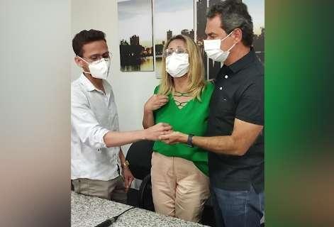 """""""Nossa cidade repudia e lamenta o ato"""", diz prefeito à vítima de homofobia"""
