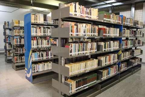 Após 1 ano fechada por conta da pandemia, biblioteca pública reabre