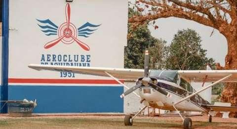 Mais de 15 assaltantes invadem Aeroclube e roubam até avião de Almir Sater