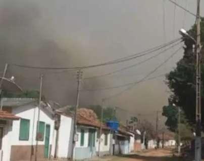 Com incêndios no Pantanal, fumaça volta a cobrir casas