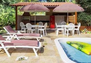 Loja tem vários móveis e acessórios para conforto e diversão na área da piscina. (Foto: Reprodução Site www.leroymerlin.com.br)