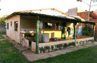 Casa usada como ponto de encontro dos bandidos. (Foto: Direto das Ruas)