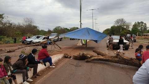 Indígenas retomam bloqueios de estradas esperando votação no STF