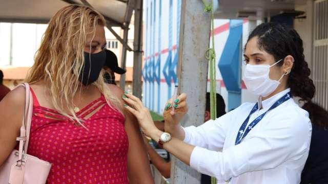 Quatro públicos vacinam contra covid hoje, em Campo Grande