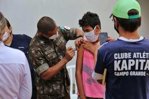 Brasil tem 34,1% da população com esquema vacinal completo