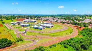 Vista aérea da UEMS, universidade que vai oferecer o curso de pós-graduação, na Capital. (Foto: Chico Ribeiro)