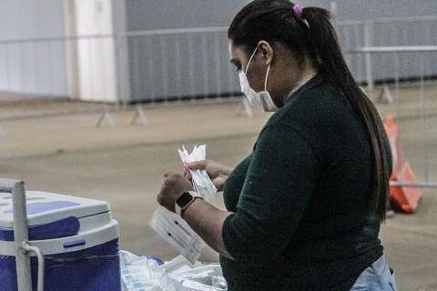 Após queda de avião e atraso de 3h, voo com vacinas volta à Capital