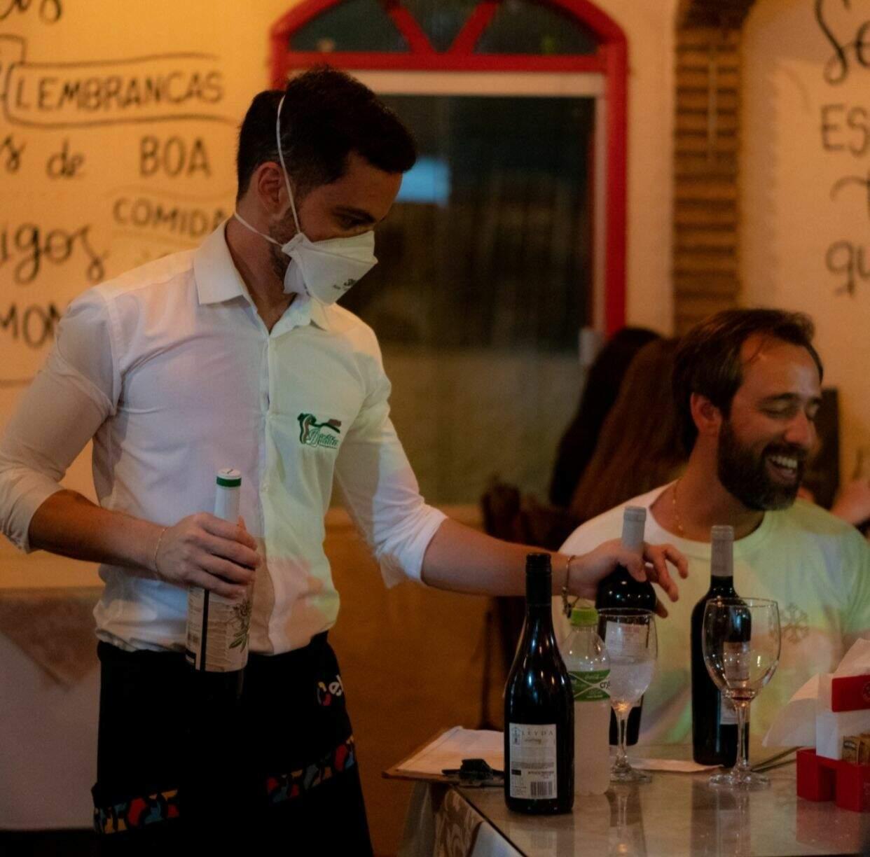 Gabriel trabalha desde os 15 anos na área, mas foi aos 19 anos que conquistou o próprio restaurante. (Foto: Arquivo Pessoal)