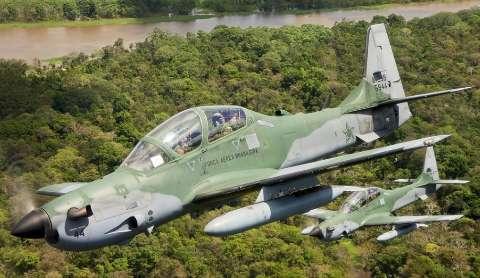 Piloto desviou de bairros ao perceber pane de avião que custa até US$ 30 milhões