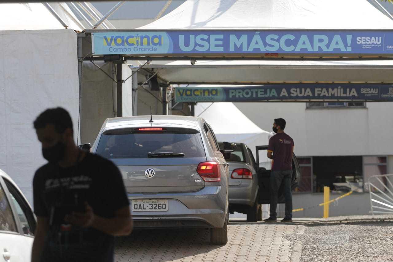 Pontos de imunização contra a covid, instalados em Campo Grande. (Foto: Marcos Maluf/Arquivo)