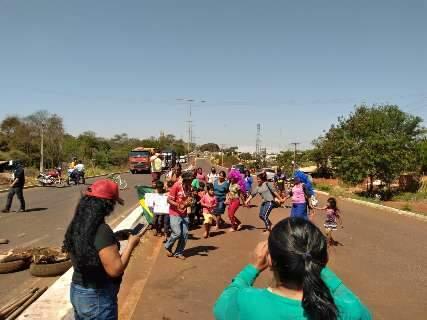 Índios retomam bloqueios em pressão para derrubada de marco temporal