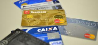 Nunca revele ou compartilhe senhas de cartões por telefone, alerta a Fenabran. (Foto: Reprodução/Agência Brasil)