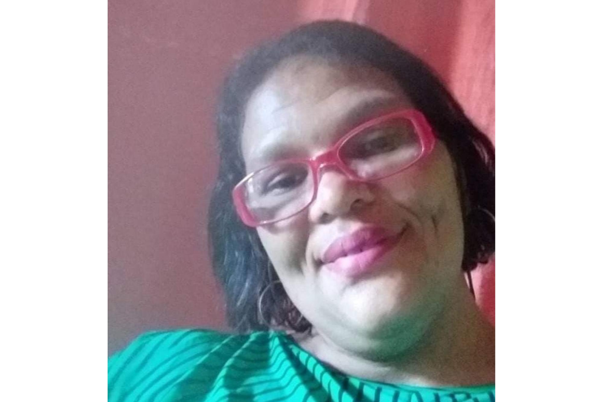 Vanessa tinha 38 anos, chegou a ser socorrida, mas não resistiu aos ferimentos. (Foto: Redes Sociais)