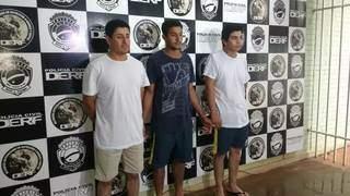 Da esquerda para direita Anderson Cabral da Silva, Tiago Gregório Moreira e Luiz Carlos Espíndola Silva, quando foram presos em 2017 (Foto: Geisy Garnes/Arquivo)