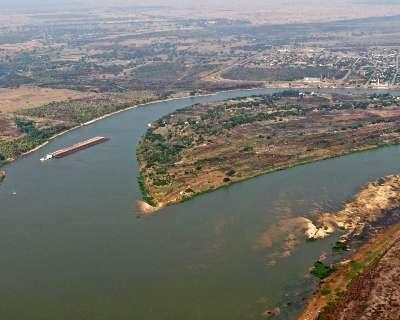 Rio Paraguai atinge nível mínimo pela 1ª vez no ano em Porto Murtinho