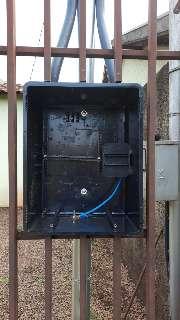 """Ladrão faz a """"limpa"""" em fios de energia de residência no Jardim Batistão"""