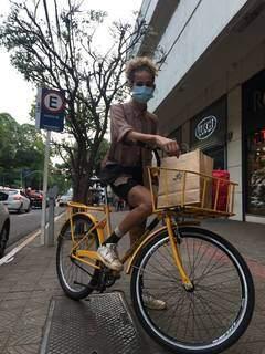 Laura começou negócio de entregar por acreditar na potência da bicicleta (Foto: Arquivo pessoal)