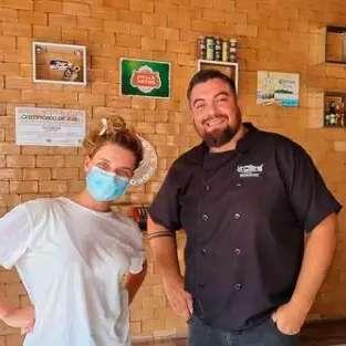 Em visita em MS, Bruna Linzmeyer para em Piraputanga para almoçar