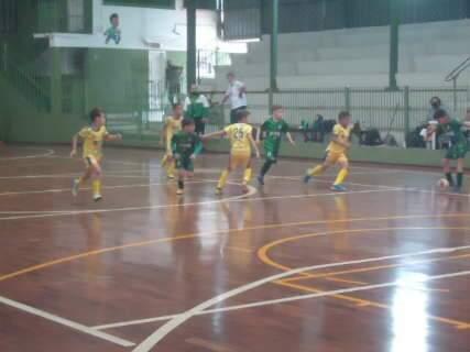 Rodada da Copa Pelezinho de Futsal tem cinco partidas neste sábado