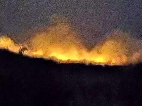 Incêndio em vegetação dura dois dias e preocupa moradores de assentamento