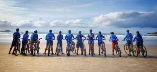Ciclistas foram até Santos (SP) em agosto de 2019. (Foto: Nilson Young)