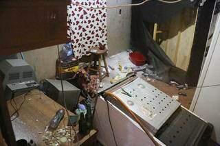 Quarto onde mulher ficou em cativeiro durante sequestro. (Foto: Paulo Francis)