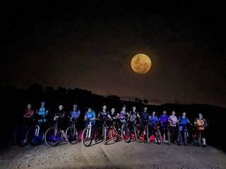 Pedal da lua cheia. (Foto: Nilson Young)