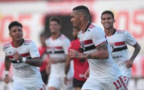Com gols de Rigoni e Luciano, São Paulo vence Atlético-GO por 2 a 1
