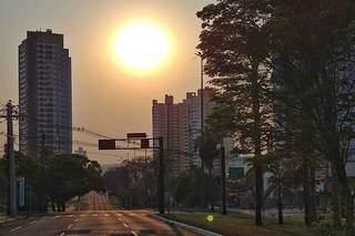 Sol mostrando toda a sua imponência nas primeiras horas do dia (Foto: Paulo Francis)