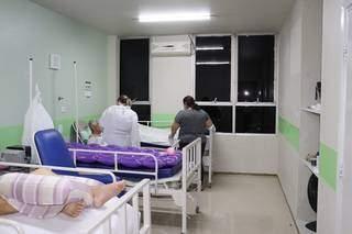 Quarto de enfermaria da Santa Casa, mas onde há ar condicionado. (Foto: Divulgação Santa Casa)