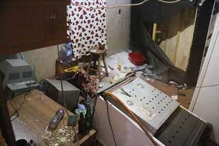 Cativeiro onde vítima ficou até o pagamento do resgate. (Foto: Paulo Francis)