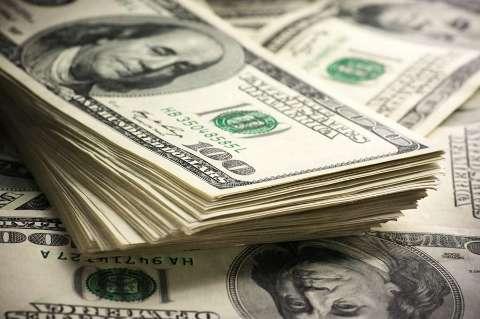 Dólar sobe 0,93% com fuga de ativos de risco provocada por caso Evergrande