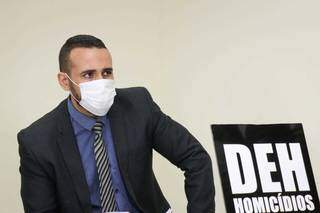 Delegado Carlos Delano, titular da DEH. (Foto: Henrique Kawaminami)