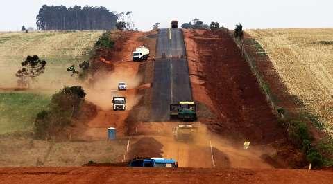 Três frentes aceleram pavimentação de 113 km de rodovias em MS