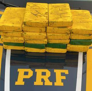 Tabletes de cloridrato de cocáina apreendidos pela PRF. (Foto: Divulgação/PRF)