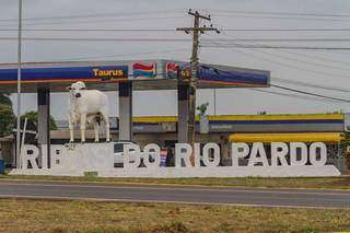 Travessia urbana em Ribas precisa de melhorias, mas não há dinheiro no Orçamento da União. (Foto: Marcos Maluf)