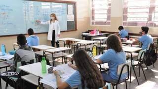 Professores irão ministrar aulas em turmas do 6º ao 9º ano do ensino fundamental. (Foto: Divulgação)