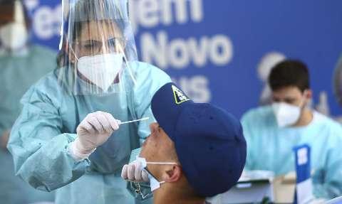 Brasil tem 21,24 milhões de casos e 590,9 mil mortes