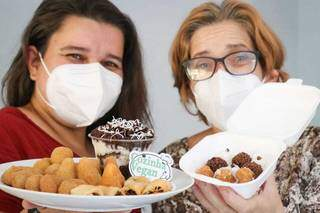 Fernanda e sua mãe criaram o kit único vegano da festas. (Foto: Henrique Kawaminami)