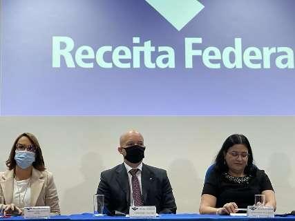 Após processo seletivo interno, Receita Federal dá posse a novo delegado
