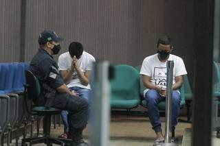 Dupla que matou homem a facadas após discussão foi condenada a 21 anos (Foto: Marcos Maluf)