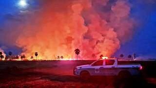 Fogo em área rural flagrado pela Polícia Militar Ambiental. (Foto: Divulgação/PMA)