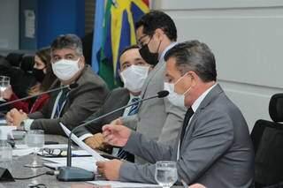 Membros da mesa diretora da Câmara Municipal, durante sessão ordinária. (Foto: Divulgação/Câmara Muncipal)