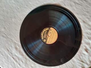 Lídia gravava composições autorais em discos importados dos Estados Unidos. (Foto: Arquivo Pessoal)