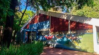 Biblioteca fica dentro do Horto Florestal da cidade. (Foto: PMCG)