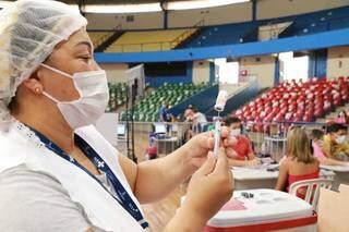 Profissionais tomarão vacina da Pfizer. (Foto: Kísie Ainoã)