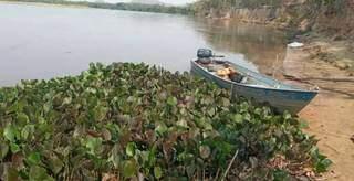 Barco onde a vítima e o filho seguiam quando aconteceu o acidente. (Foto: Sidney Assis)