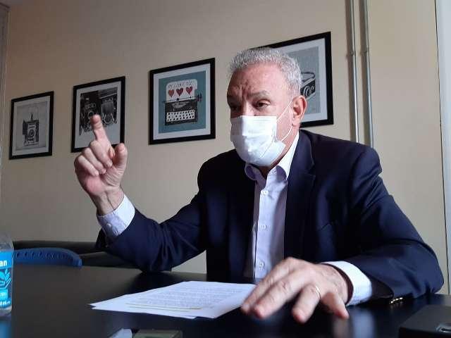 """Ainda vai longe"", prevê Geraldo sobre uso de máscaras contra a covid"